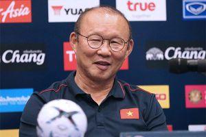 HLV Park Hang Seo hoãn đàm phán với VFF, mừng mà lo