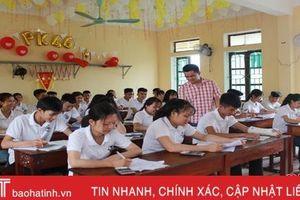 Điểm chuẩn vào lớp 10 THPT ở Hà Tĩnh: Vì đâu một số trường 'lao dốc'?