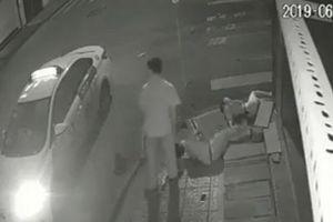 Vụ tài xế bỏ mặc đôi nam nữ thoi thóp sau tai nạn: Đang làm rõ dấu hiệu tội phạm