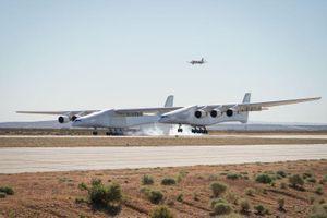 Máy bay lớn nhất thế giới 400 triệu USD có gì đặc biệt?