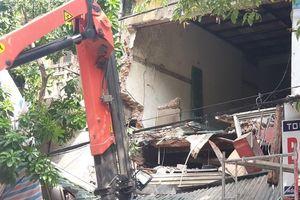Hiện trường vụ sập nhà số 56 Hàng Bông