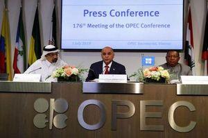 Lo ngại kinh tế suy yếu, OPEC đồng ý gia hạn thỏa thuận cắt giảm sản lượng