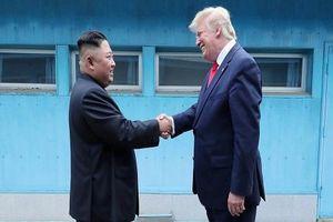 Tổng thống Trump nói gì sau cuộc gặp ông Kim Jong-un?