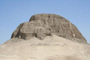 Ai Cập mở cửa kim tự tháp 4.000 năm tuổi