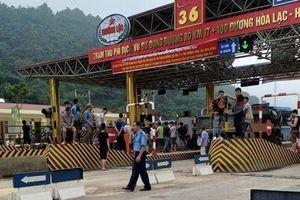Tạm miễn phí cho người dân xung quanh trạm BOT Hòa Lạc - Hòa Bình