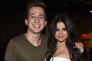 Đăng tweet đá xoáy Taylor Swift, 'anh trai mưa' Charlie Puth nhận ngay cú unfollow từ 'crush' Selena Gomez