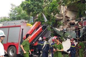 Thông tin chính thức về vụ sập ban công và một phần mặt tiền nhà 56 phố Hàng Bông
