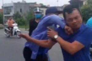Nhiều kẻ côn đồ tấn công nhóm phóng viên Báo Tuổi trẻ Thủ đô