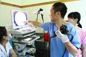 Trao tặng Kỷ niệm chương vì sức khỏe nhân dân cho bác sĩ Nhật Bản