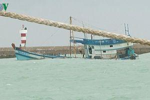 Nguy cơ tràn dầu trên diện rộng do tàu chở dầu bị chìm ở đảo Phú Quý