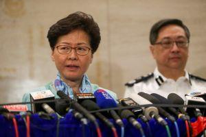 Lãnh đạo Hong Kong 'đau buồn, phẫn nộ', nhưng hứa lắng nghe người dân