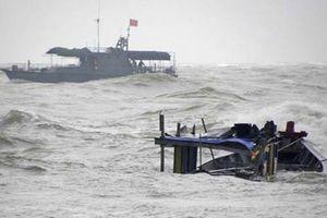 Chìm tàu cá ở Hòn Cau, 5 ngư dân mất tích