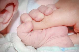 Ba vụ trẻ sơ sinh bị kéo đứt cổ gây ám ảnh