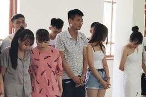 19 nam nữ mở tiệc ma túy trong quán karaoke