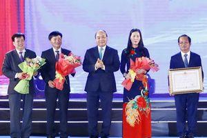 Thủ tướng Nguyễn Xuân Phúc dự lễ kỷ niệm 30 năm tái lập tỉnh Quảng Ngãi
