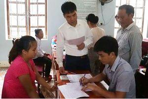 Nhập quốc tịch Việt Nam cho 70 trường hợp người Lào kết hôn không giá thú