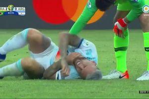 Argentina thua Brazil vì trọng tài 'cướp' 2 quả phạt đền?