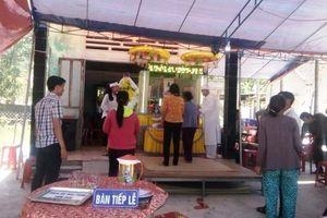 Khởi tố, bắt giam gã chồng đâm chết vợ lúc làm gà ở Quảng Nam