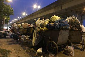 Hà Nội: Bãi rác Nam Sơn lại bị chặn, rác thải ùn ứ giữa thủ đô