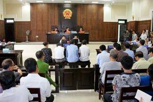 Kỳ án 'buôn lậu' gỗ trắc lớn nhất Miền Trung: Các bị cáo tiếp tục kêu oan