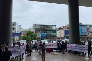 Big C bất ngờ dừng nhập hàng may mặc Việt, hàng trăm doanh nghiệp tập trung phản đối