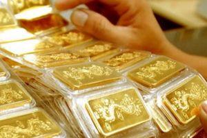 Vàng tiếp tục tăng kỷ lục sau 2 ngày giảm nhẹ