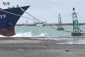 Đổi phương án cứu hộ tàu chở dầu bị chìm ở đảo Phú Quý