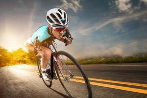 Đứng tim với trải nghiệm phi xe đạp thẳng xuống vực từ độ cao 40 m