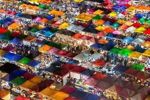 Khám phá chợ đêm Bangkok, thiên đường dành cho tín đồ ẩm thực, mua sắm