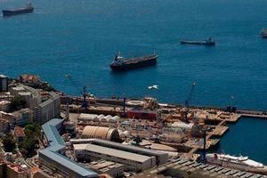 Anh bắt giữ tàu chở dầu đang trên đường tới Syria