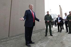 Chính quyền của Tổng thống Trump vướng rào cản pháp lý trong việc xây bức tường biên giới