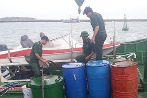 Tàu chìm ở đảo Phú Quý: Cơ bản đã khắc phục được sự cố tràn dầu