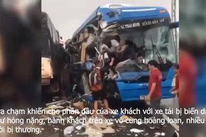 Hiện trường vụ tại nạn liên hoàn giữa xe khách với xe tải và xe container tại Quảng Bình