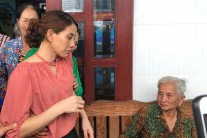 Rưng rưng giây phút trùng phùng của cô gái Bạc Liêu 22 năm lưu lạc