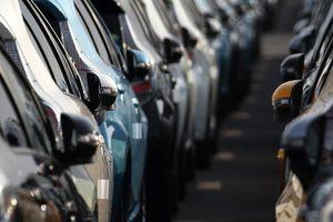 Việt Nam ký EVFTA, giá xe ô tô có rẻ hơn?