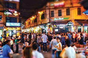 Khám phá 'ngã tư quốc tế' Tạ Hiện giữa lòng phố cổ Hà Nội