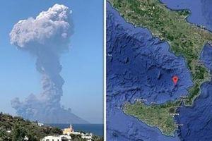 Núi lửa ở Italia phun trào, ít nhất một du khách thiệt mạng