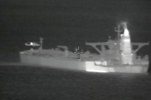 Nguy cơ chiến tranh cận kề khi đặc nhiệm Anh đột kích bắt giữ tàu chở dầu Iran