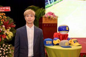 Công Phượng bảnh bao trong ngày đi vào lịch sử bóng đá Việt Nam