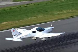 Thụy Sĩ thử nghiệm thành công máy bay chạy hoàn toàn bằng điện