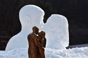 Số phận bức tượng Song Joong Ki hôn Song Hye Kyo sau khi cặp sao ly hôn