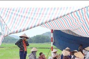 Vụ dân chặn xe vào bãi rác Nam Sơn: Đối thoại ngày thứ 5 vẫn chưa tìm được tiếng nói chung