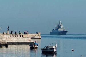 Chiến hạm Nga mang vũ khí lạ thăm Cuba, tàu Mỹ không dám tới gần