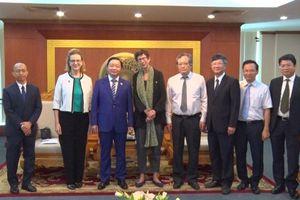Bộ trưởng Trần Hồng Hà làm việc với đại điện UNDP và Đại sứ Na Uy tại Việt Nam
