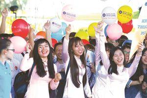 Đại học Văn Lang TP.HCM công bố điểm chuẩn theo phương thức xét học bạ