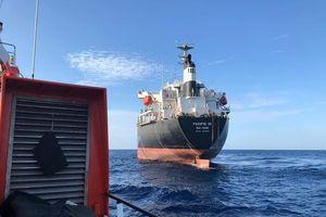 Trở lại tìm kiếm 9 thuyền viên mất tích, đội thợ lặn vẫn chưa có mặt