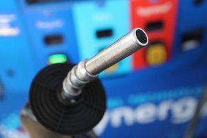 Giá dầu có tuần giảm đầu tiên trong 3 tuần
