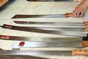 Triệt phá ổ vũ khí cực lớn, thu giữ hơn 1.000 cây dao, kiếm tự chế