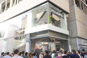 Huawei mở cửa hàng lớn nhất bên ngoài Trung Quốc ở Tây Ban Nha