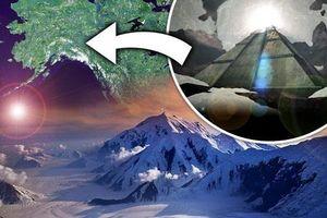 Lộ diện kim tự tháp 'hấp thụ năng lượng' khổng lồ bên dưới lớp băng ở Mỹ?